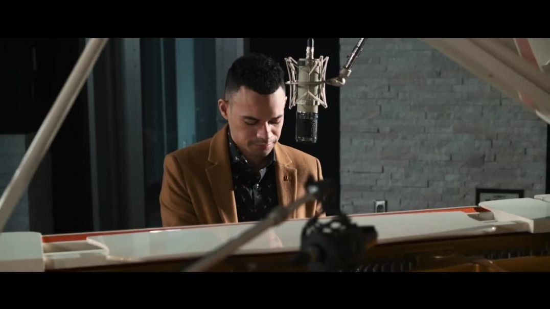 Tauren Wells - Hills and Valleys (Acoustic Video)