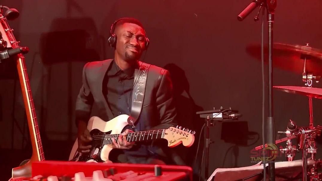 Spirit Of Praise 7 feat. Ayanda Ntanzi - Nasempini