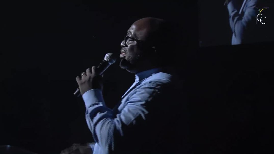 ICC Gospel Choir - Inonde ce lieu  Tu es là  Tu es là au milieu de nous