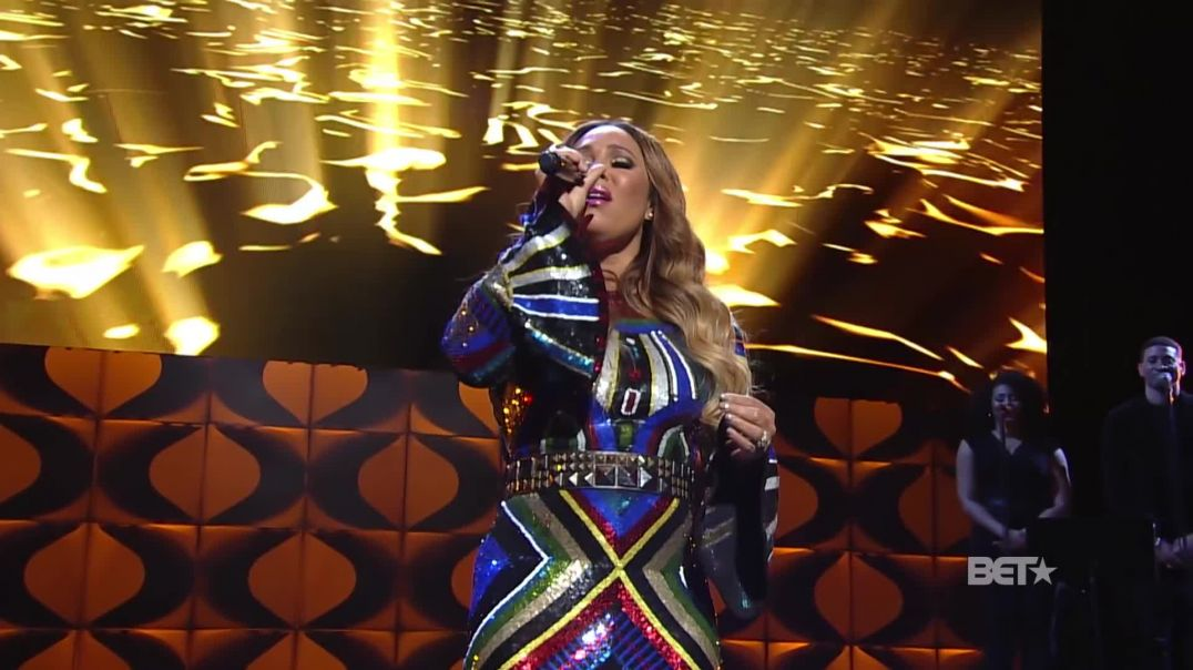 "The Winans and Tamia Perform ""Tomorrow"" And ""It's Time"" With Magical Medley"