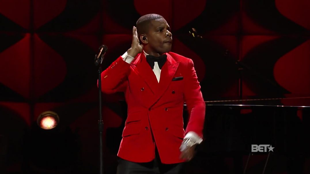 "Kirk Franklin Will Have You Dancing in Your Chair with ""Love Theory"""