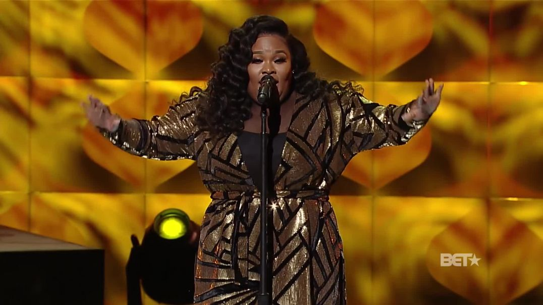 "Tasha Cobbs Leonard Feels the Spirit During ""This is A Move"""