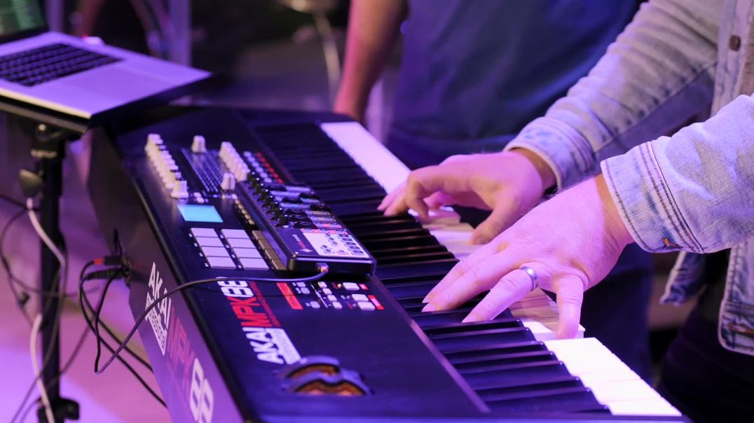 How to Communicate with Your Worship Keyboardist