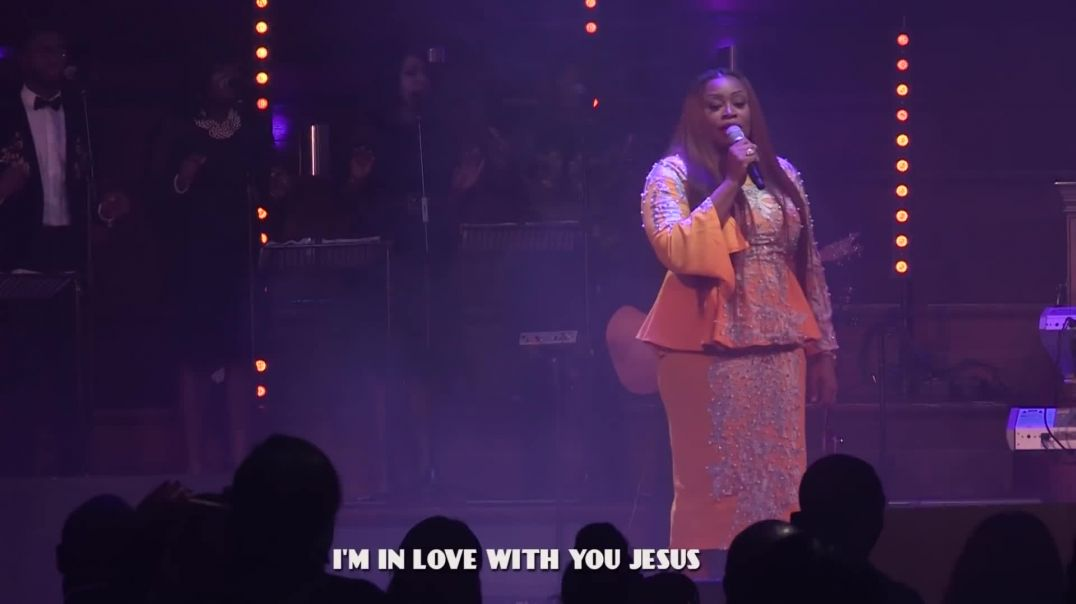 SINACH: I'M IN LOVE